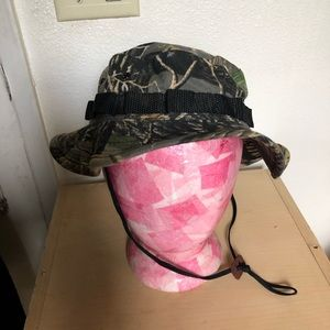 Cabelas hat